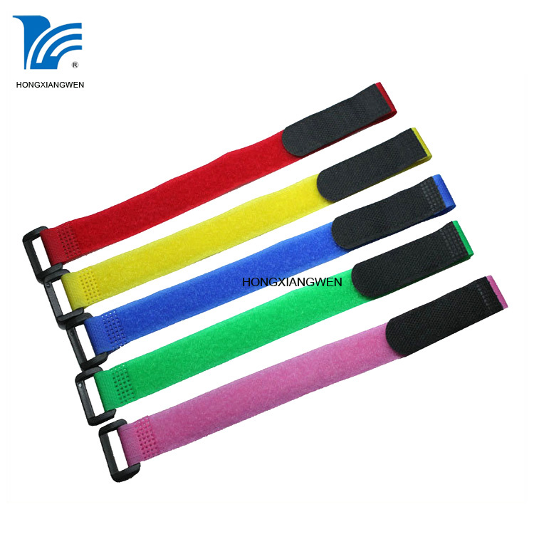 Cable tie with buckle